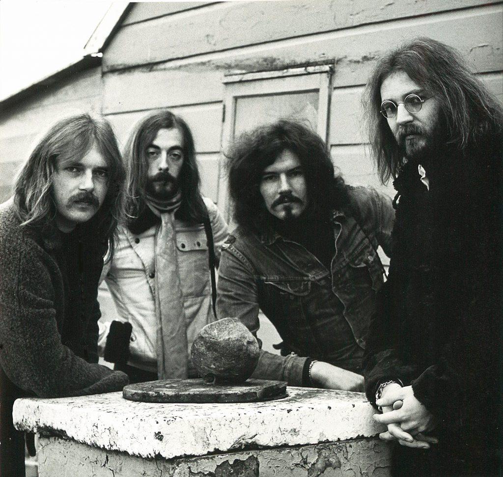 september1972-cargo3-2