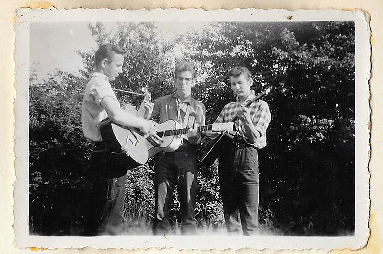 pre-apron-strings-in-de-tuin-1959
